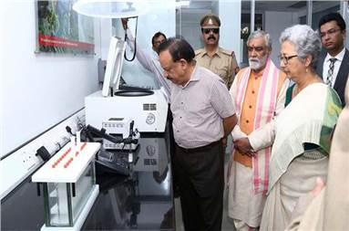 Health minister Harsh Vardhan at the inauguration of the National Food Laboratory of FSSAI