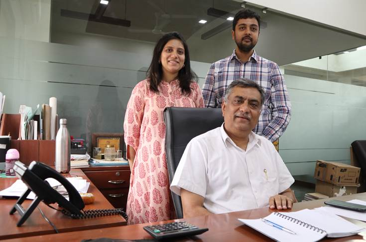 Vaishal Thakore of Creative Printers has invested in a new facility at Changodar, Ahmedabad.     Thakore along with his son-in-law Raj Mehta 