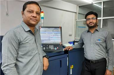 (l-r) Mukesh and Dheeraj Sharma of MD Graphics