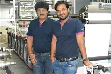 Kuldeep and Naveen Goel of Any Graphics with the new Omet X6