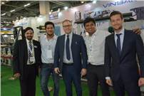 Shashwat Bansal (second from right) with the representatives of Synchroline and Vinsak