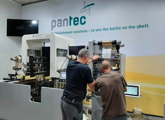 Pantec's new Rhino E flatbed system produces high-quality spirits and wine labels