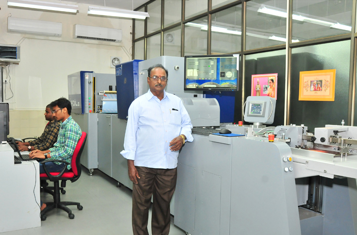Satyavarapu Gopala Krishna, managing director, Printonica with the MGI Jetvarnish