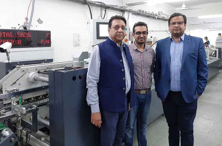(L-r) Rajeev and Ketan Khurana of Bhai Printers with Puneet Agarwal of DGM India