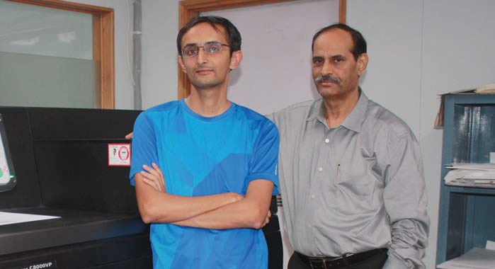 Krishnan Pandey (l) with his father MN Pandey