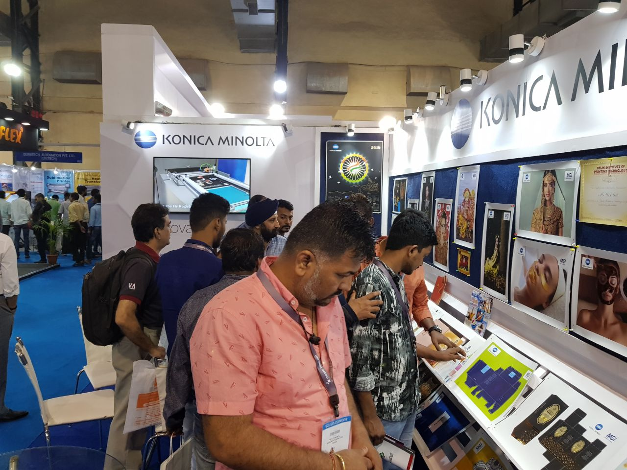Visitors at the Konica Minolta stall during SPI 2018