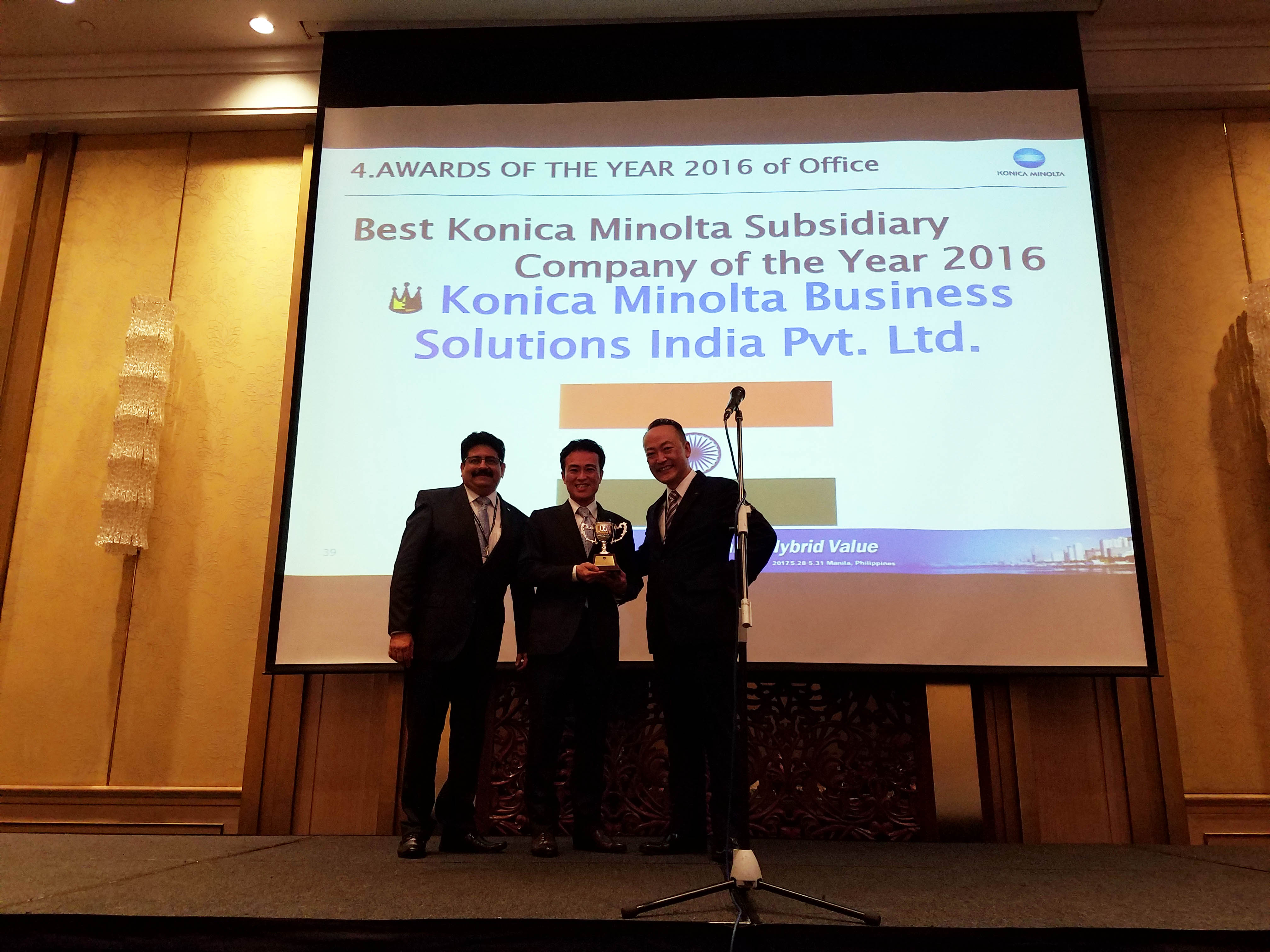(from left) Rajeev Ahuja, Business Consultant IP, Daisuke Mori, MD, Konica Minolta India and Shoei Yamana, CEO, Konica Minolta