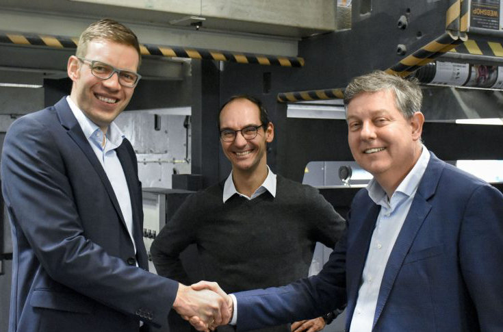 (l to r) Jens Klingebiel (head of technology department at Mohn Media), Oliver Böhm (head of web offset printing department at Mohn Media), Rutger Jansen (CEO at Contiweb)